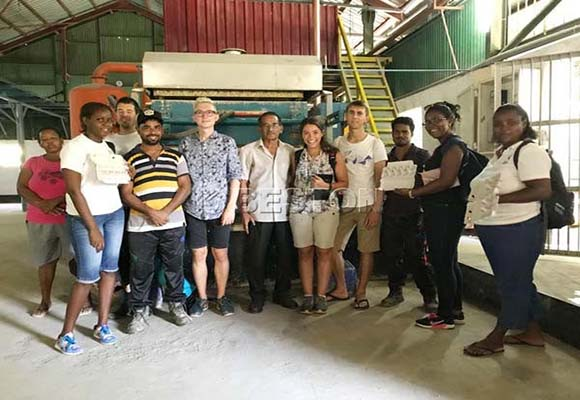 Cliente De Beston Máquina Moldeadora - En Seychelles